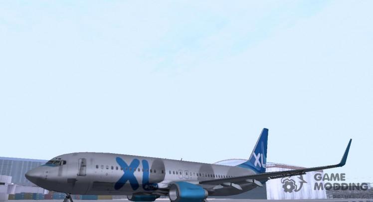 XL Airways 737-800