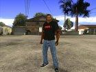 CJ в футболке (Crow) для GTA San Andreas вид слева