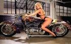 Заставки WoT - девушки на мотоциклах для World of Tanks