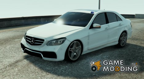 Mercedes Benz E63 AMG Kriminalpolizei 1.0 for GTA 5